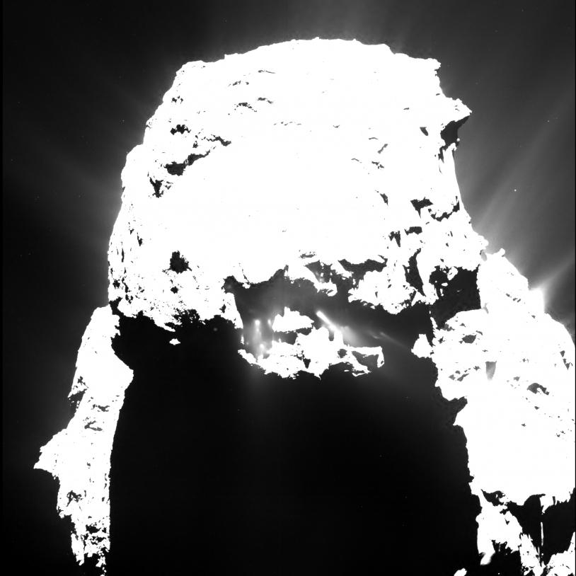 Des jets actifs la nuit pour le noyau de la comète de Rosetta