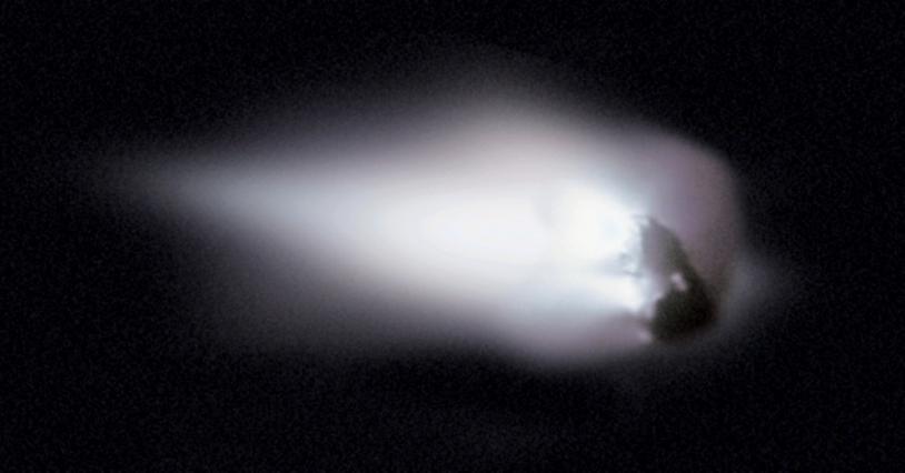 Noyau de la comète de Halley en 1986 vu par la sonde Giotto.
