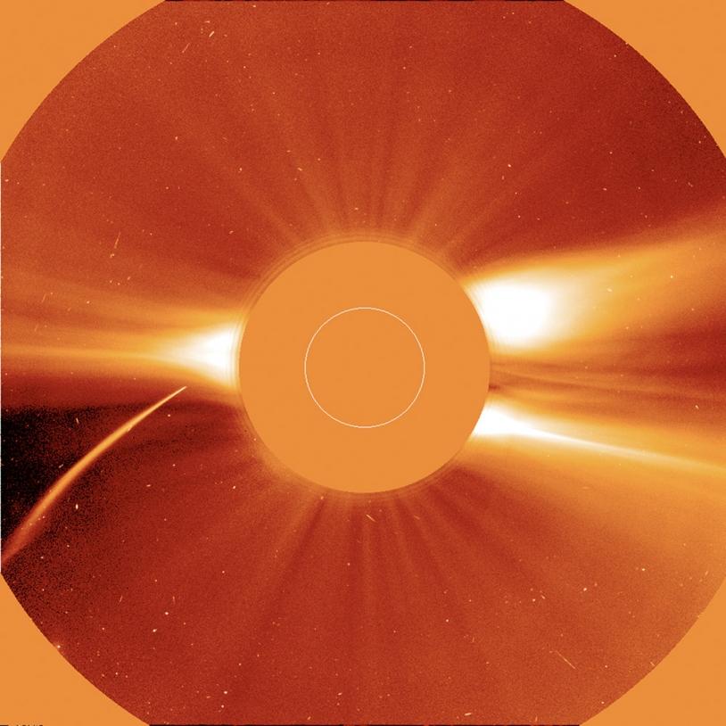Une comète sur le point de disparaître dans le Soleil.